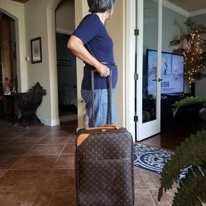 Authentic Louis Vuitton Monogram Pagase 45 Luggage